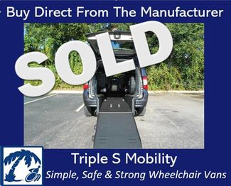 2016 Chrysler Town & Country Touring Wheelchair Van Handicap Ramp Van Pinellas Park, Florida