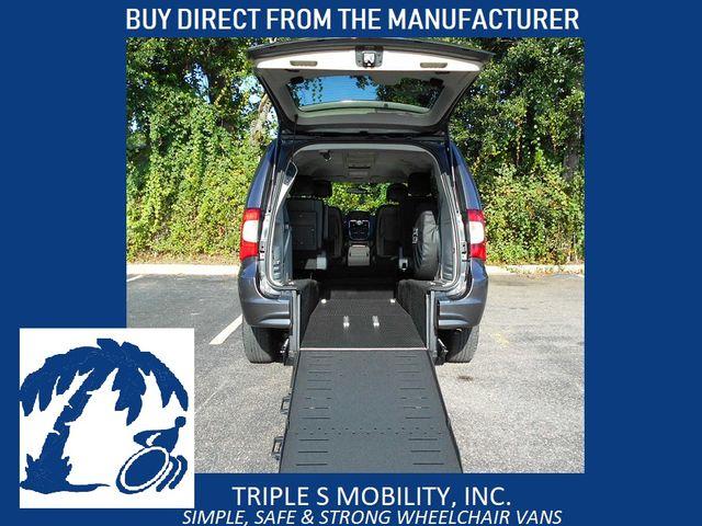 2016 Chrysler Town & Country Touring Wheelchair Van Pinellas Park, Florida 1