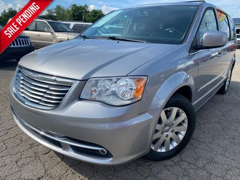 2016 Chrysler Town & Country Touring in Gainesville, GA