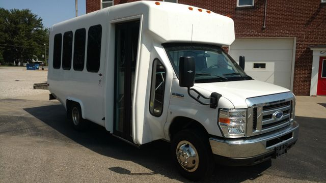 2016 Diamond Coach 14 Passenger Bus Alliance, Ohio 1