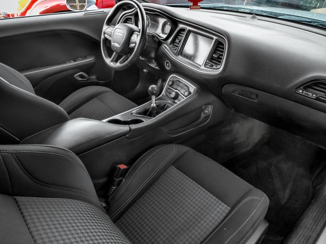 2016 Dodge Challenger R/T Burbank, CA 10