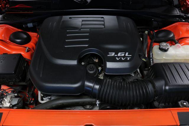 2016 Dodge Challenger SXT Plus Merrillville, Indiana 8