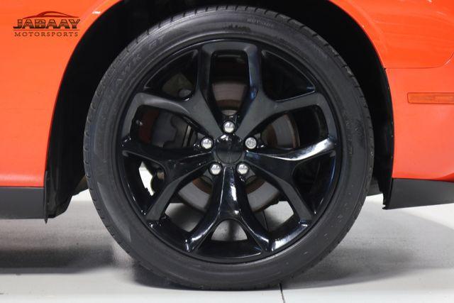 2016 Dodge Challenger SXT Plus Merrillville, Indiana 44