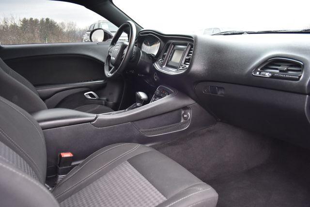2016 Dodge Challenger SXT Naugatuck, Connecticut 9