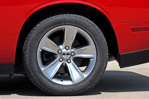 2016 Dodge Challenger SXT   Plano, TX   Carrick's Autos in Plano, TX
