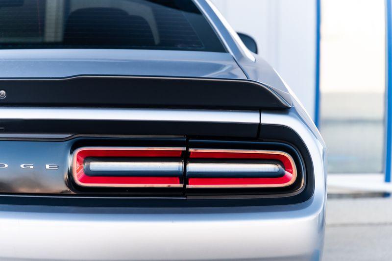 2016 Dodge Challenger R/T HEMI V8 CLEAN CARFAX AUTO TRANSMISSION NICE! in Rowlett, Texas
