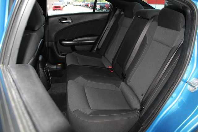2016 Dodge Charger R/T RWD - NAVIGATION - SUNROOF! Mooresville , NC 11