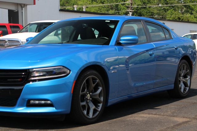 2016 Dodge Charger R/T RWD - NAVIGATION - SUNROOF! Mooresville , NC 27