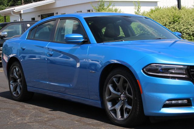 2016 Dodge Charger R/T RWD - NAVIGATION - SUNROOF! Mooresville , NC 26