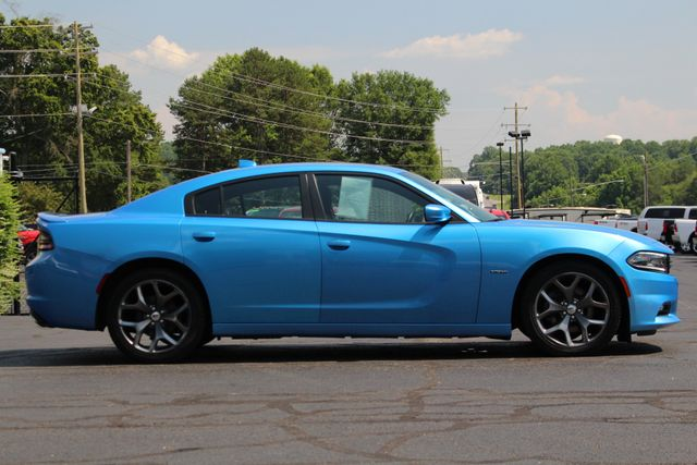 2016 Dodge Charger R/T RWD - NAVIGATION - SUNROOF! Mooresville , NC 15