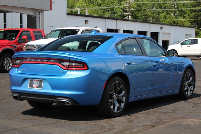 2016 Dodge Charger R/T RWD - NAVIGATION - SUNROOF! Mooresville , NC 24