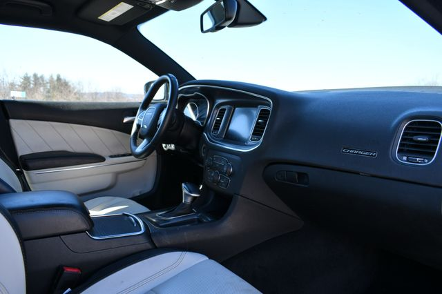 2016 Dodge Charger SXT AWD Naugatuck, Connecticut 10
