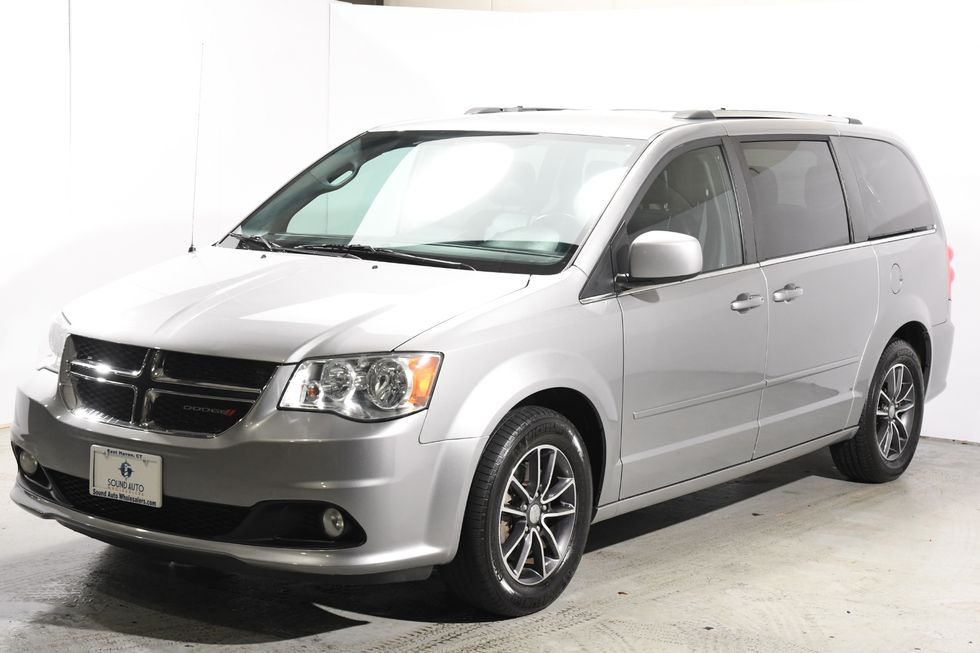 2016 Dodge Grand Caravan Sxt Plus Nav Dvd In Branford