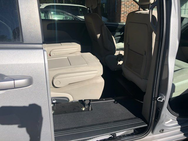 2016 Dodge Grand Caravan Handicap wheelchair accessible rear entry Dallas, Georgia 19