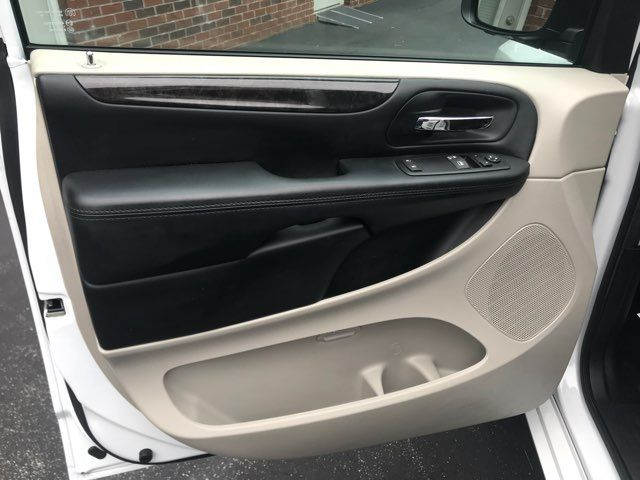 2016 Dodge Grand Caravan handicap wheelchair accessible van Dallas, Georgia 17
