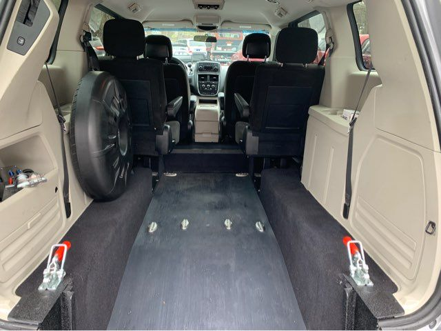 2016 Dodge Grand Caravan SXT handicap wheelchair van van Dallas, Georgia 14