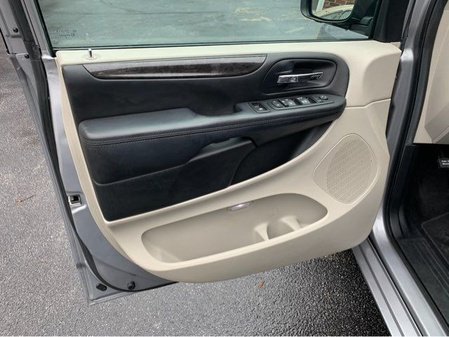 2016 Dodge Grand Caravan SXT handicap wheelchair van van Dallas, Georgia 18
