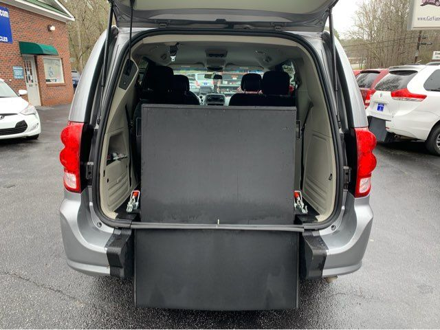 2016 Dodge Grand Caravan SXT handicap wheelchair van van Dallas, Georgia 10