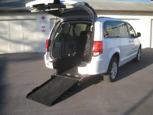 2016 Dodge Grand Caravan SXT handicap wheelchair side entry van