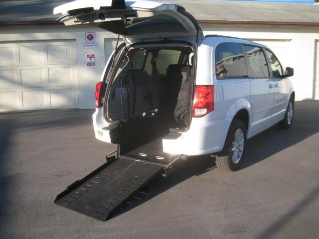 2016 Dodge Grand Caravan SXT handicap wheelchair side entry van
