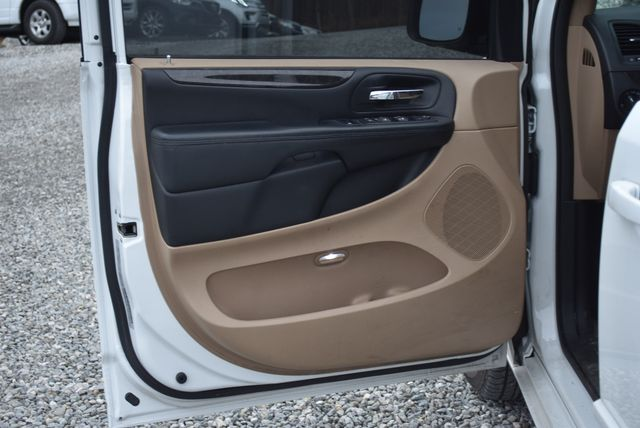2016 Dodge Grand Caravan SXT Naugatuck, Connecticut 13