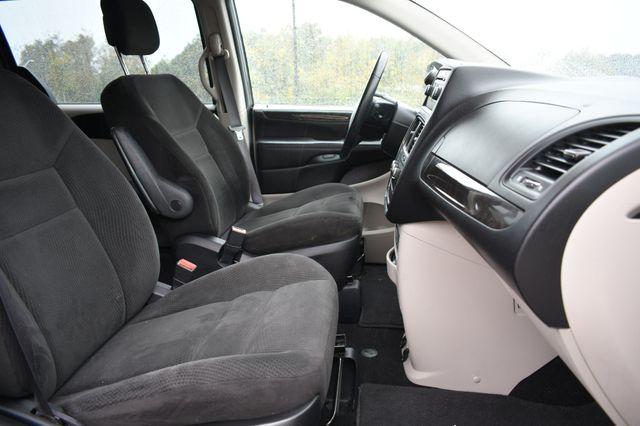 2016 Dodge Grand Caravan American Value Pkg Naugatuck, Connecticut 9