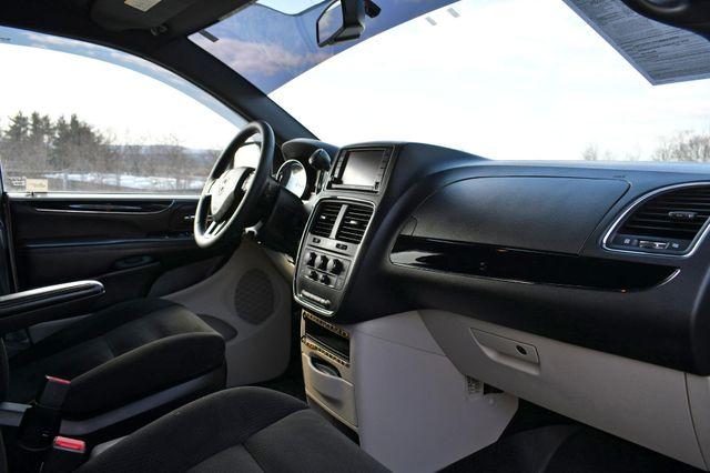2016 Dodge Grand Caravan SE Plus Naugatuck, Connecticut 10