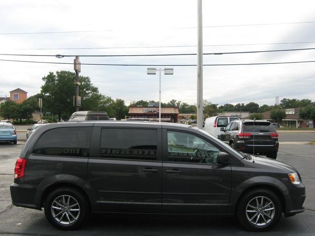 2016 Dodge Grand Caravan SE Plus Richmond, Virginia 4