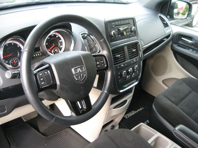 2016 Dodge Grand Caravan SE Plus Richmond, Virginia 8
