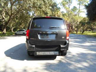 2016 Dodge Grand Caravan Sxt Wheelchair Van Handicap Ramp Van Pinellas Park, Florida 4