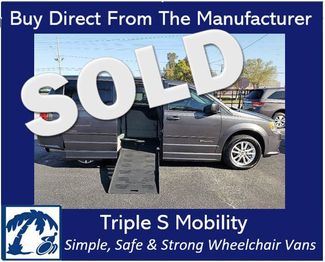 2016 Dodge Grand Caravan Sxt Wheelchair Van Handicap Ramp Van in Pinellas Park, Florida 33781