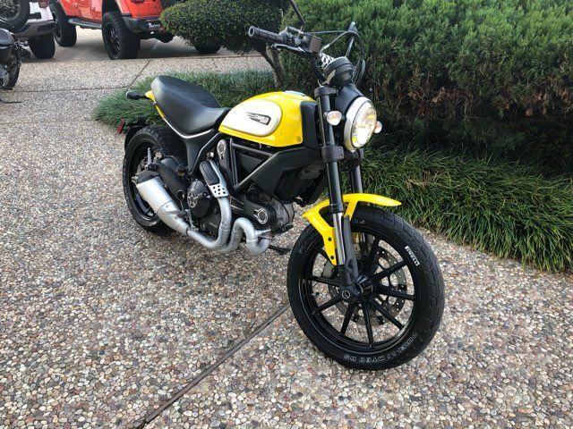 2016 Ducati Scrambler Icon in McKinney, TX 75070