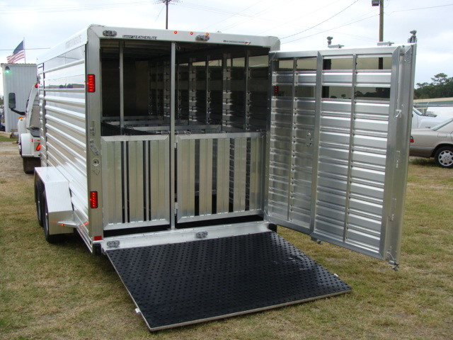 2016 Featherlite 8107 16' STOCK TRAILER WITH STALLS CONROE, TX 7