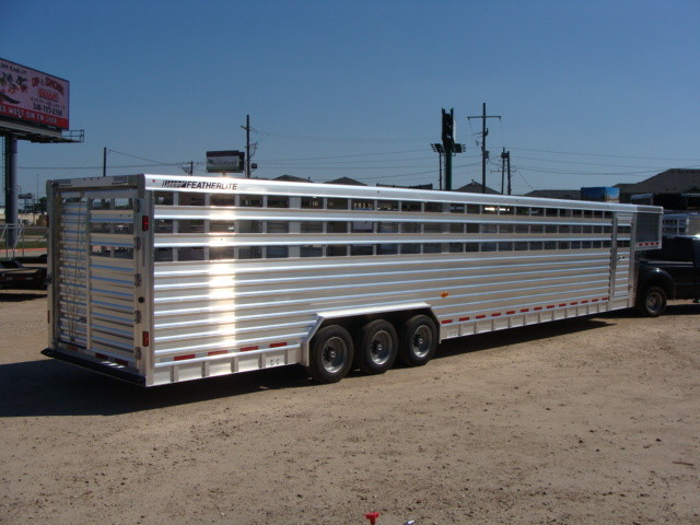 2016 Featherlite 8127 7 - 40' Stock Trailer STOCK TRAILER CATTLE TRAILER in Conroe, TX 77384