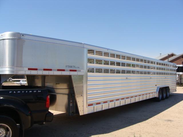 2016 Featherlite 8127 7 - 40' Stock Trailer STOCK TRAILER CATTLE TRAILER in Conroe, TX 77384