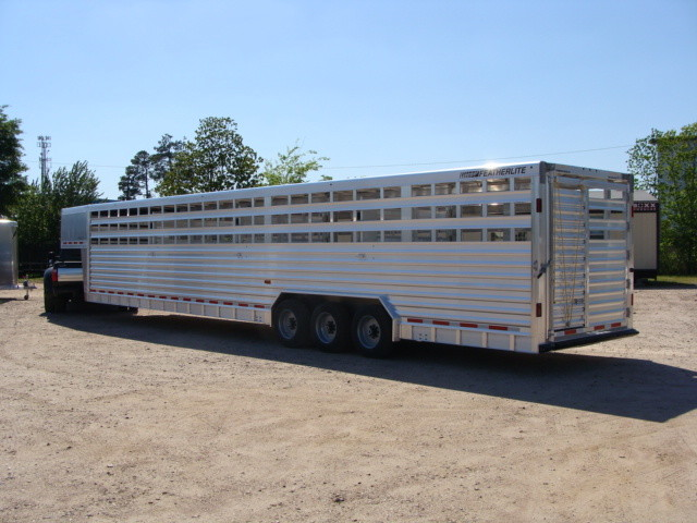 2016 Featherlite 8127 7 - 40' Stock Trailer STOCK TRAILER CATTLE TRAILER CONROE, TX 10