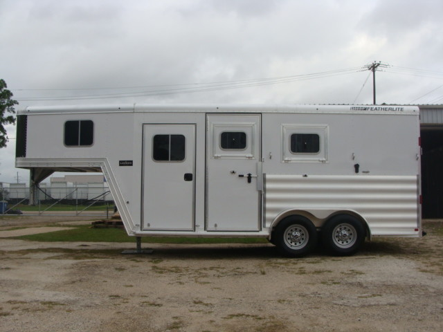 2016 Featherlite 8542 Legend Edition Two Horse Big Horse CONROE, TX 7