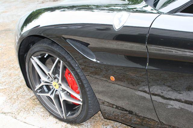 2016 Ferrari California T Houston, Texas 6