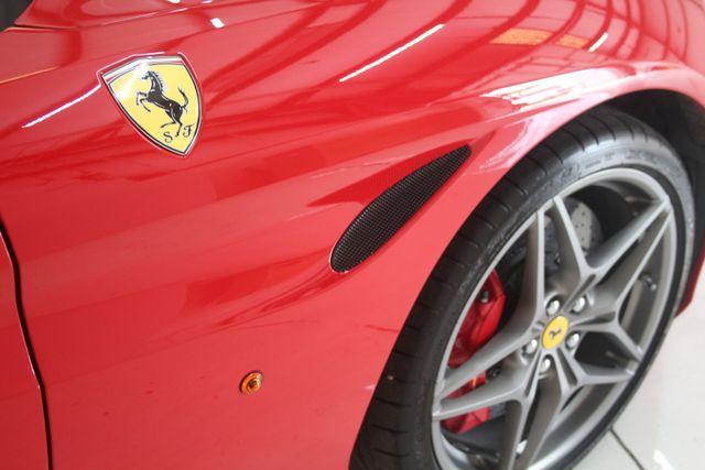 2016 Ferrari California T Houston, Texas 10