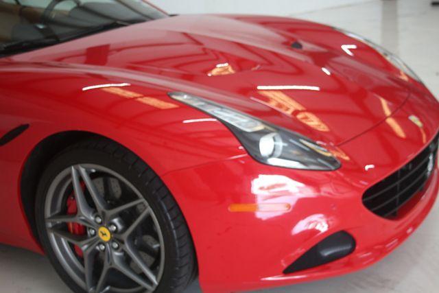 2016 Ferrari California T Houston, Texas 8