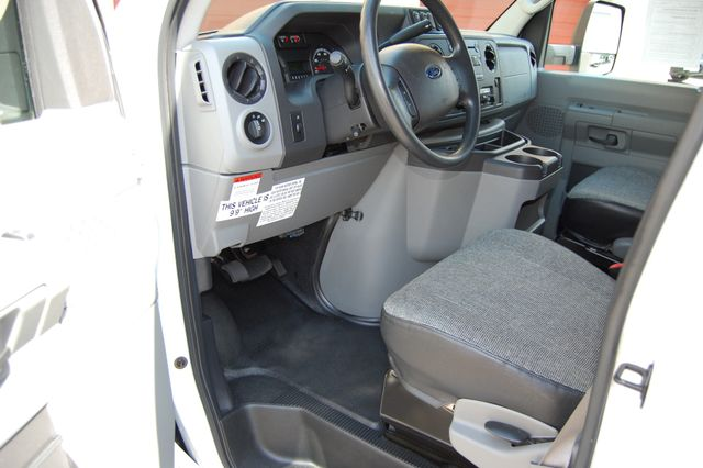 2016 Ford 15 Pass. Mini Bus Charlotte, North Carolina 4