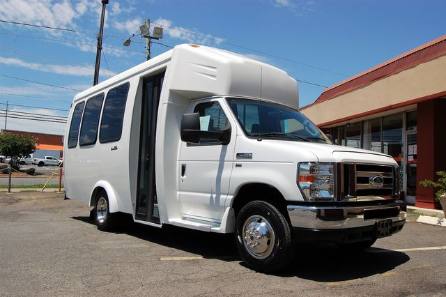 2016 Ford 15 Pass. Mini Bus Charlotte, North Carolina 1