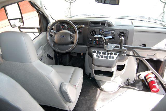 2016 Ford 15 Pass. Activity Bus Charlotte, North Carolina 16