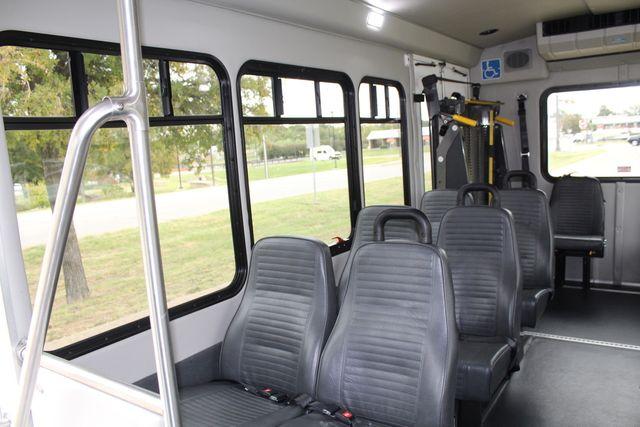 2016 Ford 15 Passenger Starcraft Shuttle Bus W/ Wheelchair Lift Irving, Texas 18