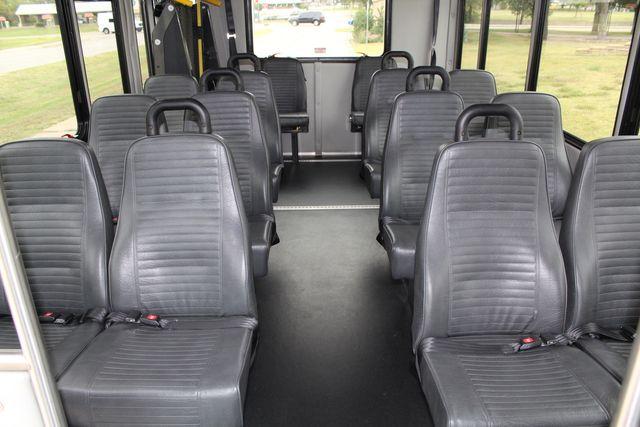 2016 Ford 15 Passenger Starcraft Shuttle Bus W/ Wheelchair Lift Irving, Texas 19