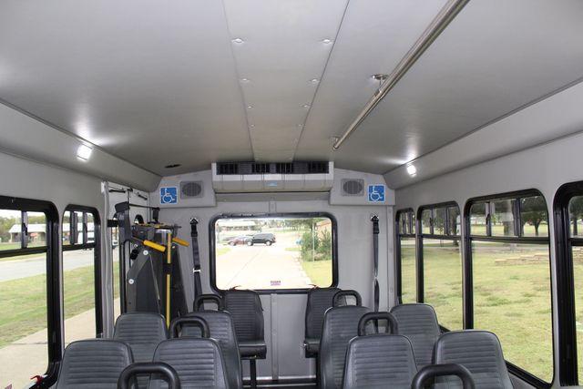 2016 Ford 15 Passenger Starcraft Shuttle Bus W/ Wheelchair Lift Irving, Texas 20