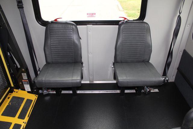 2016 Ford 15 Passenger Starcraft Shuttle Bus W/ Wheelchair Lift Irving, Texas 22
