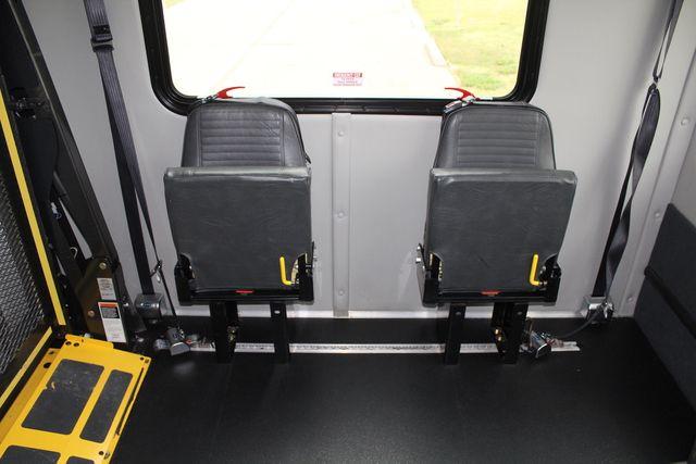 2016 Ford 15 Passenger Starcraft Shuttle Bus W/ Wheelchair Lift Irving, Texas 23