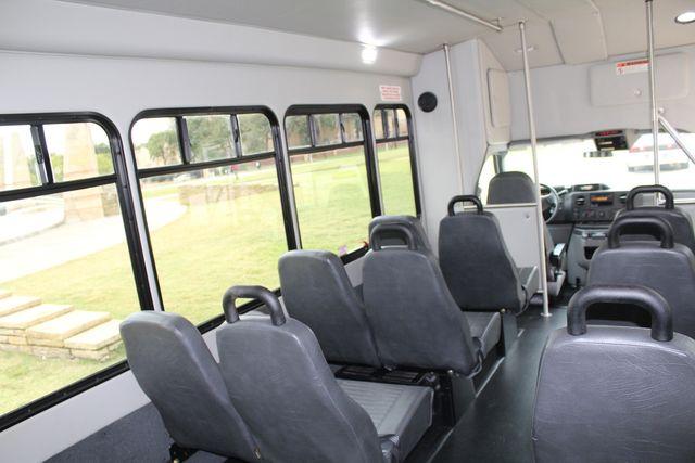 2016 Ford 15 Passenger Starcraft Shuttle Bus W/ Wheelchair Lift Irving, Texas 26
