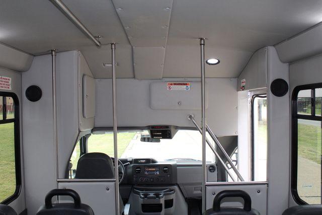 2016 Ford 15 Passenger Starcraft Shuttle Bus W/ Wheelchair Lift Irving, Texas 29
